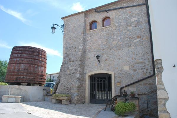 Bodega Can Suriol castillo